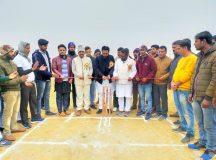 स्टार क्रिकेट टूर्नामेंट के पहले मैच में धनौरा की टीम ने पैकी को हराया